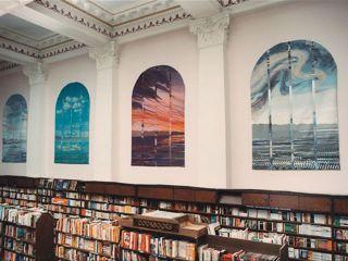 Photo courtesy Munro's Books